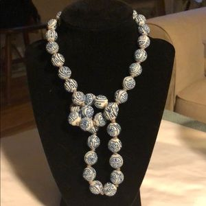Jewelry - Larger diameter white and blue willow necklace